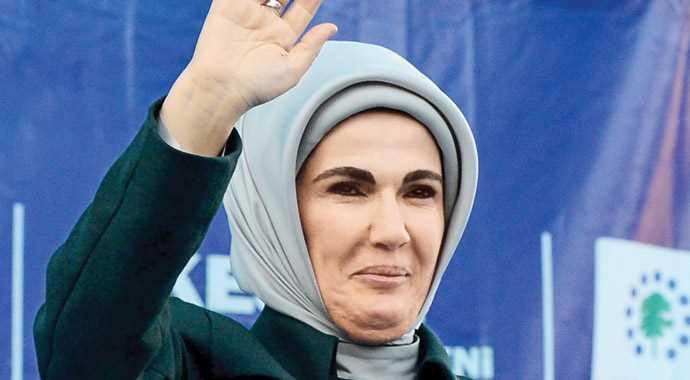emine-erdogan-vs-sare-davutoglu_781649