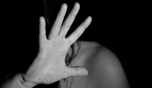 Voldtog skolekammerat, men slipper med betinget udvisning