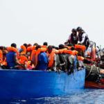 Fredag aften – Aquarius har endelig succes – samler 141 migranter op. 72 ankommer til Italien fra Tyrkiet i båd