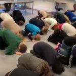 Danske skolebørn lærer at bede til Allah