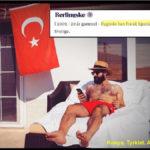 Tyrkiske Harun Demirtas erklærer, at han er flygtning, men tager på ferie i hjemlandet Tyrkiet