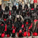 Migranter angriber juleoptog: Juledjævlen Krampus jager migranter på flugt