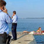 Fie Sommer solbadede nøgen – så kom politiet