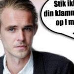 DR-vært Mads Aagaard Danielsen tiltvang sig sex med praktikant på låst toilet til julefrokost i DR Byen