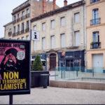 Efter terrordrab på lærer: Frankrig viser Muhammedtegningerne i det offentlige rum